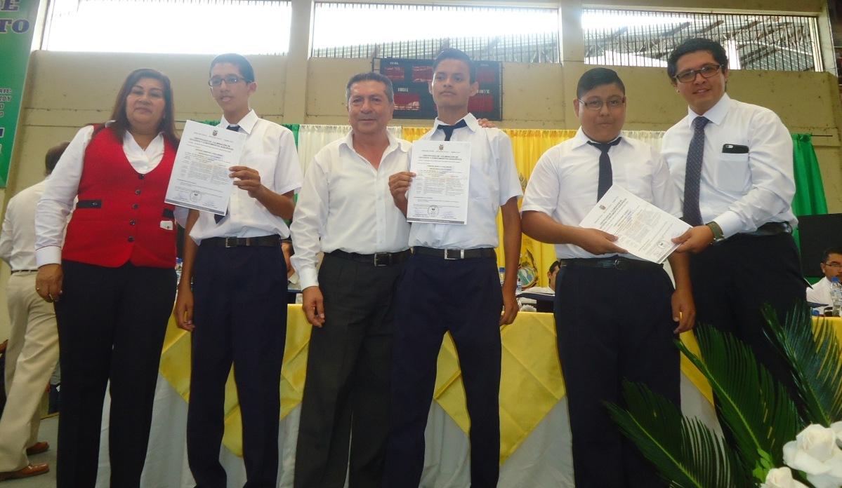 Reconocimiento a estudiantes con capacidades especiales